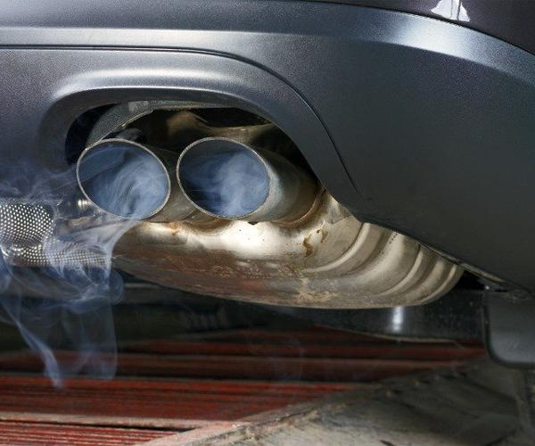 Зниження потужності двигуна також може вказувати на поломки системи відведення, воно обумовлено різними причинами, що призводять до збільшення опору потоку газів